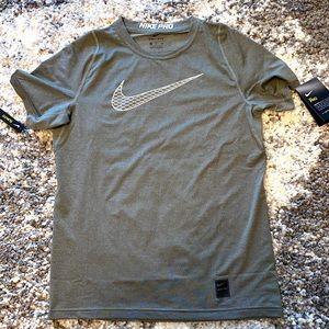 Boys Nike Pro T-Shirt - Size XL